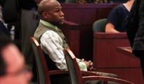 Boxer Floyd Mayweather Jr. appears in court to plead guilty on domestic violence and other charges at the Clark County Regional Justice Center in Las Vegas, Nevada, in this file picture taken December 21, 2011.