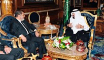 Saudi Arabia's King Abdullah (R) meets with Egypt's President Mohamed Mursi at the Royal Palace in Jeddah airport July 11, 2012.